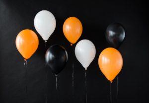 Decora tu fiesta de Halloween con globos
